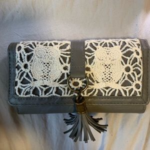 Claire's Grey Lace Wallet